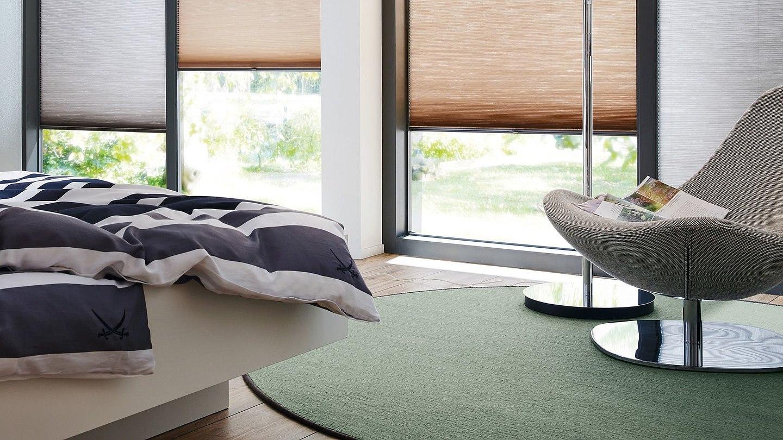 article 305478. Black Bedroom Furniture Sets. Home Design Ideas